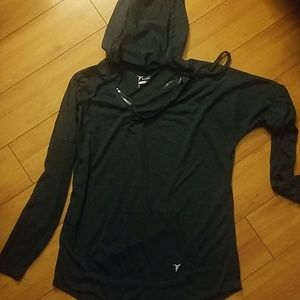Old navy active top size small